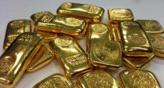 El oro supera el umbral de los 2.000 dólares entre incertidumbre y desconfianza