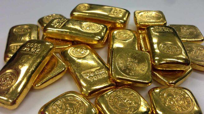 El oro se dispara a máximos de seis años ante las crecientes amenazas globales.