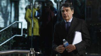 El juez envía al banquillo a Ignacio González por las obras del tren de Navalcarnero