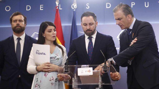 Espinosa de los Monteros, Olona, Abascal y Ortega Smith anuncian en el Congreso la querella contra Zapatero, a finales de junio.