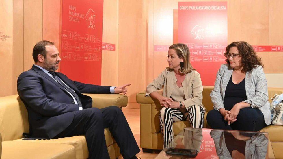 José Luis Ábalos, reunido con Ana Oramas este miércoles.