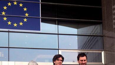 Puigdemont y Comín presumen de entrar al Parlamento Europeo... como invitados y sin acreditarse
