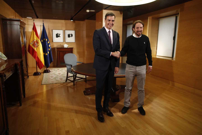 Pedro Sánchez y Pablo Iglesias, antes de la reunión.