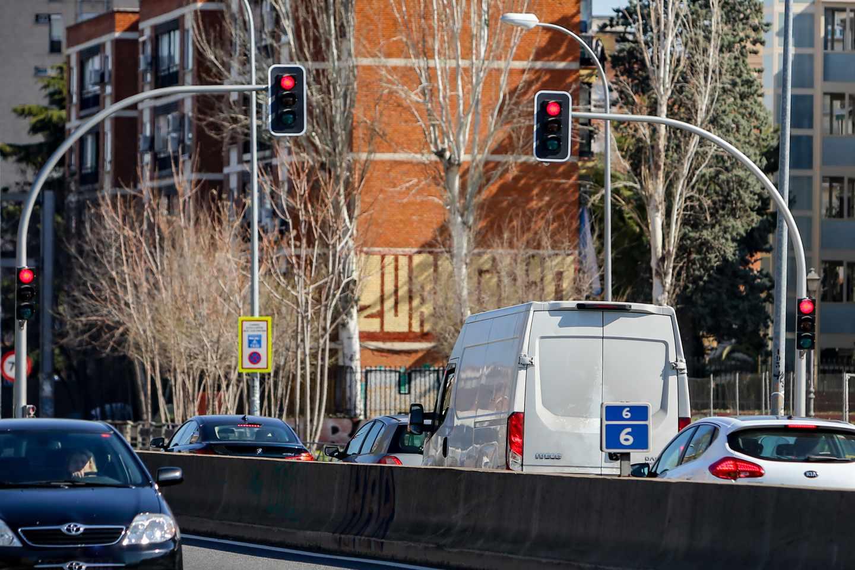Semáforos instalados en la A-5.