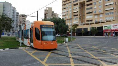 Metro de Valencia y Alicante venden mascarillas y gel en máquinas automáticas