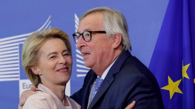 El presidente de la Comisión Europea, Jean Claude Juncker, y Ursula von der Leyen.