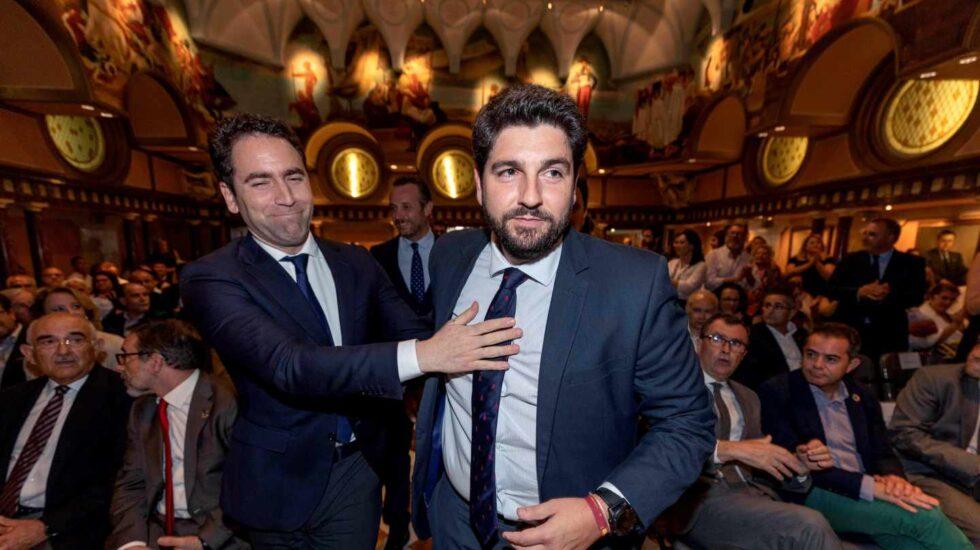 Teodoro García Egea junto al candidato popular en Murcia, López Miras.