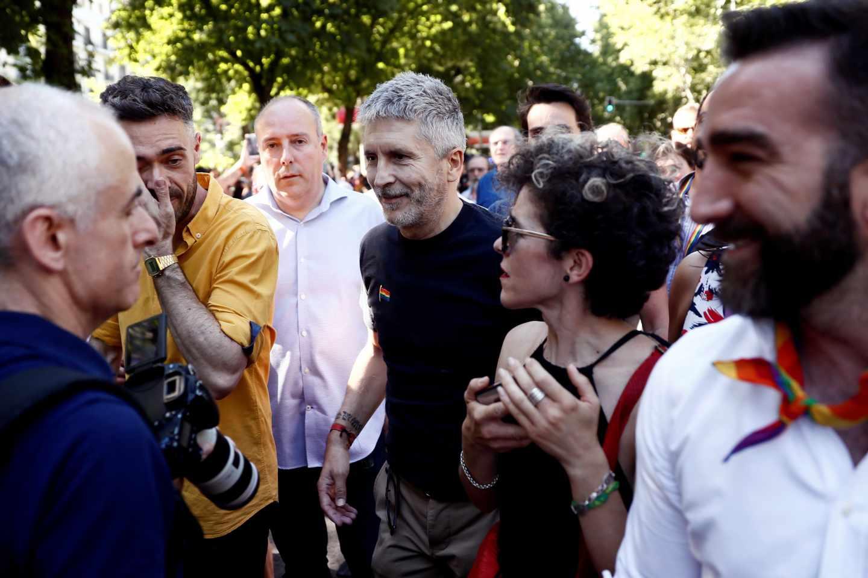 El ministro del Interior en funciones, Fernando Grande Marlaska, en la marcha LGTBI.