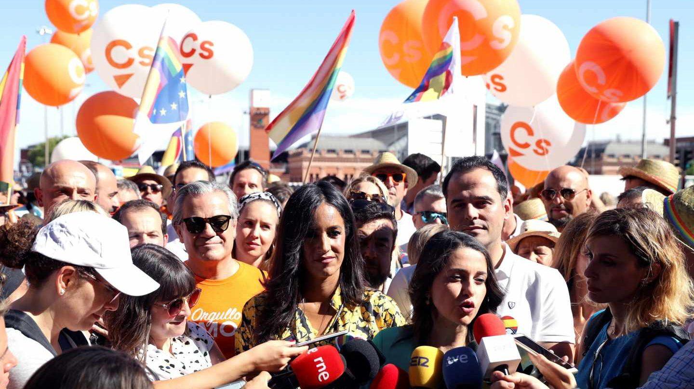 Representantes de Ciudadanos, con Arrimadas, Villacís y Aguado al frente, durante el Orgullo 2019.