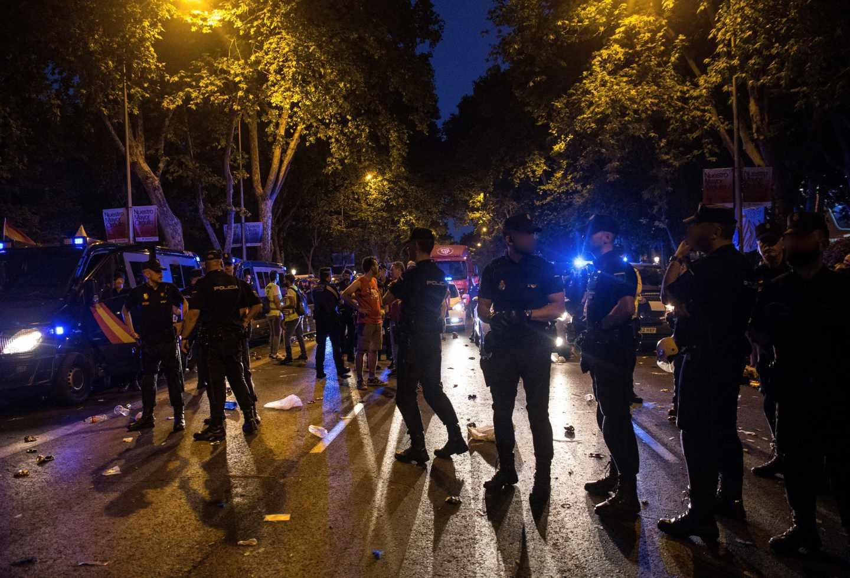 Agentes de la Policía Nacional durante el desfile.