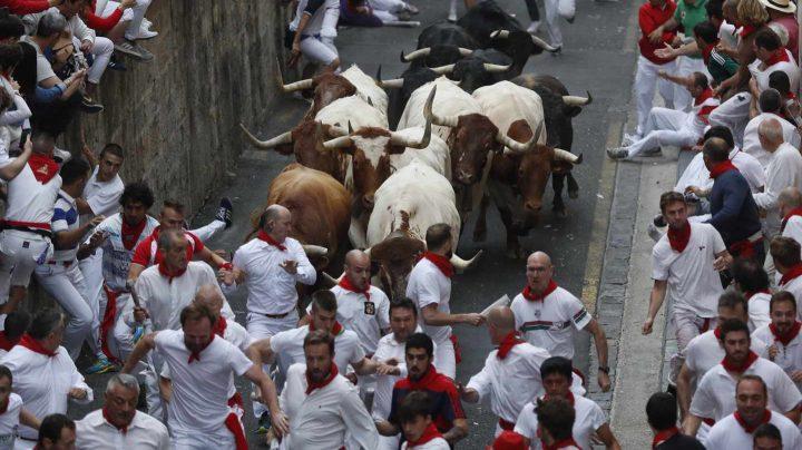 Primer encierro de San Fermín con los toros del Puerto de San Lorenzo.