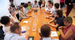 Reunión mantenida hoy entre representantes del PSN, Geroa Bai., Podemos e I-E.