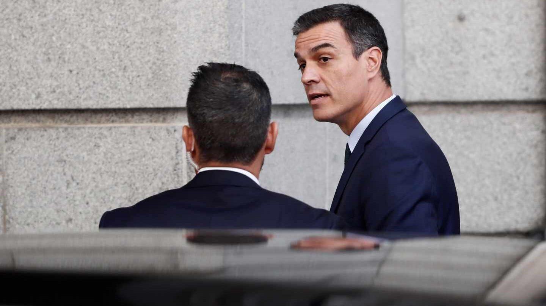 Pedro Sánchez llega al Congreso para la segunda votación de investidura.