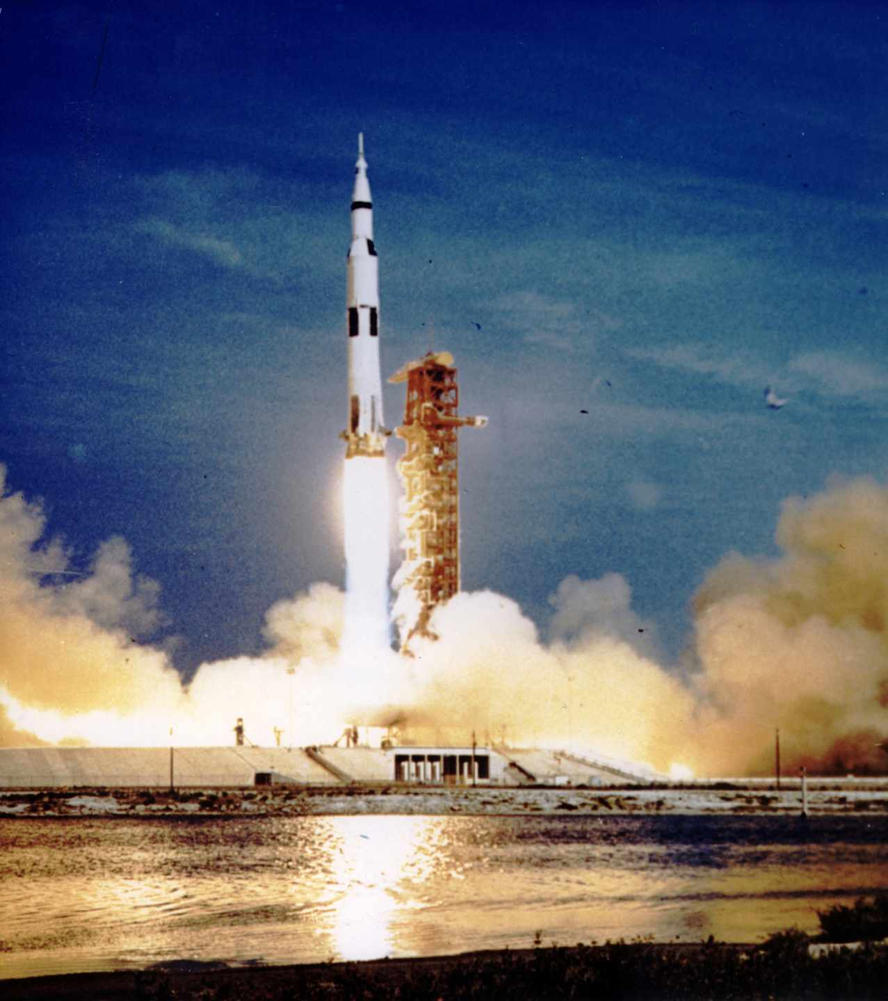 La misión Apollo 11 despega en Florida | NASA