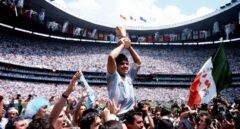 Maradona, Di Stéfano, Pelé y Messi: la mesa de los grandes del fútbol mundial