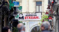 Pancarta de homenaje al etarra 'Baldo' en Hernani.