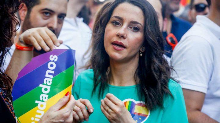 Inés Arrimadas durante la manifestación del Orgullo en Madrid