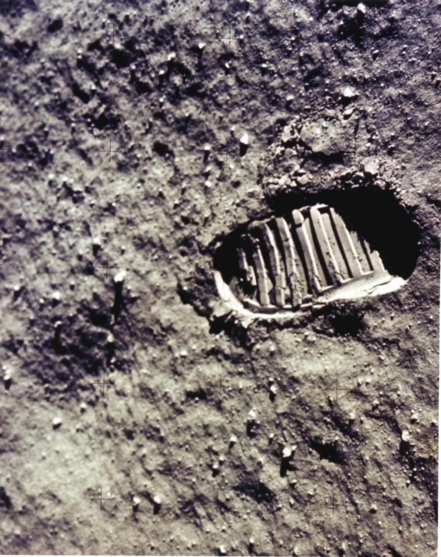 Una de las primeras huellas humanas en la superficie lunar | NASA