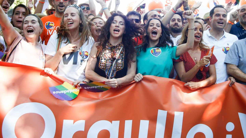 Dirigentes de Ciudadanos en la Marcha del Orgullo.