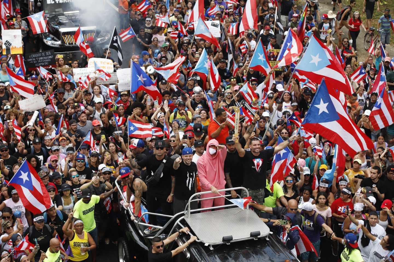 Miles celebran en San Juan la esperada renuncia del gobernador Rosselló.