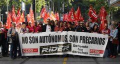 Golpe a Deliveroo: la justicia declara que más de 500 'riders' son falsos autónomos