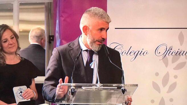 David Page, periodista de El Independiente, durante la entrega del premio Ingeniero Fernando Luca de Tena.