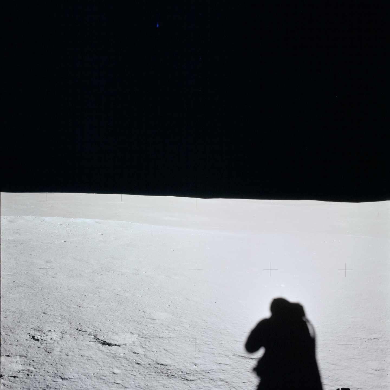El horizonte de la luna fotografiado durante la misión Apolo 14 en febrero de 1971 | NASA
