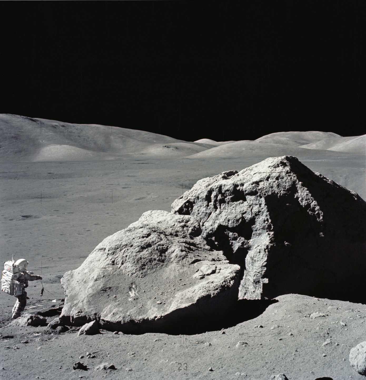 El astronauta Harrison H. Schmitt en la misión Apolo 17, la última que viajó con humanos a la luna (1972) | NASA