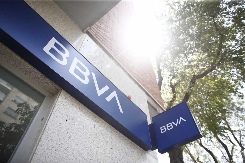 BBVA gana un 4% menos en el primer semestre.
