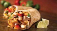 Consumir alimentos calientes y picantes en verano baja la temperatura corporal