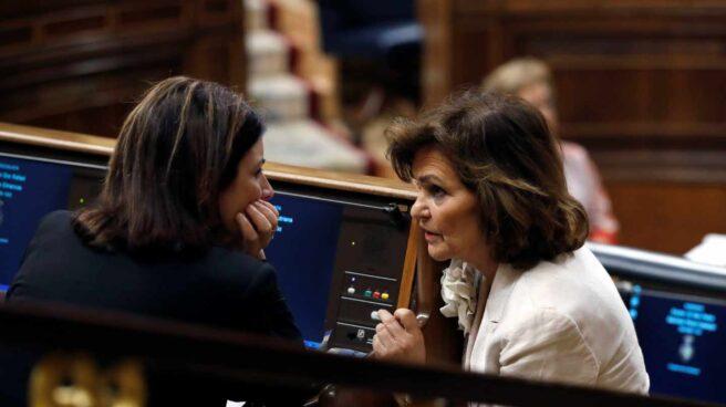 Carmen Calvo y Adriana Lastra, en el Congreso.