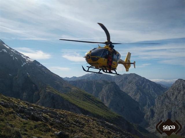 Helicoptero bomberos Asturias