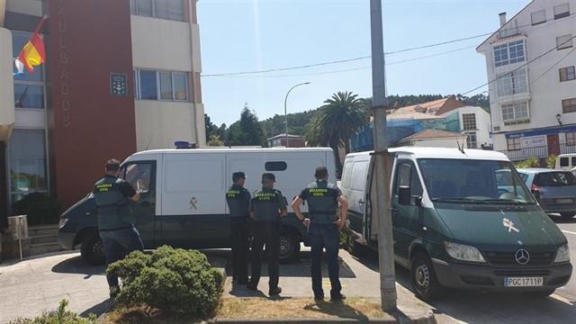 Pasan a disposición judicial los detenidos por agredir a agentes en las fiestas de Muxía