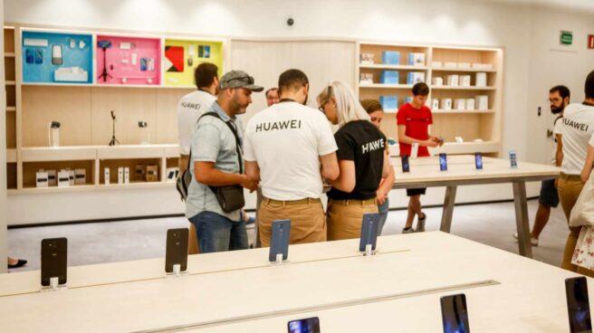 Frenazo de las ventas de Huawei en Europa tras el veto de Estados Unidos.