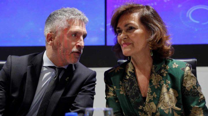Grande-Martlaska y la vicepresidenta del Gobierno en funciones, Carmen Calvo, este jueves en un acto de la Guardia Civil.