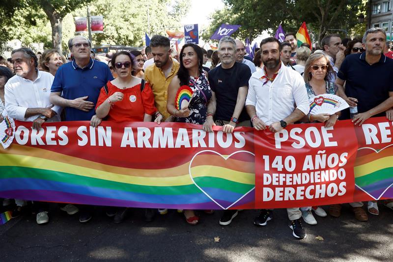 Grande-Marlaska, el pasado sábado en la cabecera de la manifestación del Orgullo en Madrid.