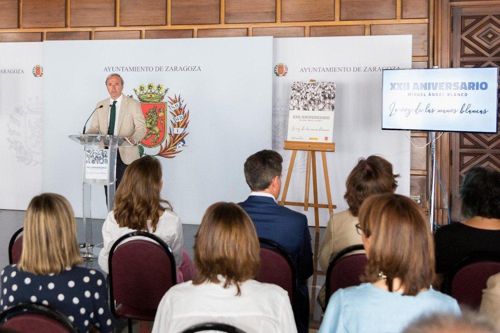 Acto de homenaje a Miguel Ángel Blanco en el Ayuntamiento de Zaragoza.