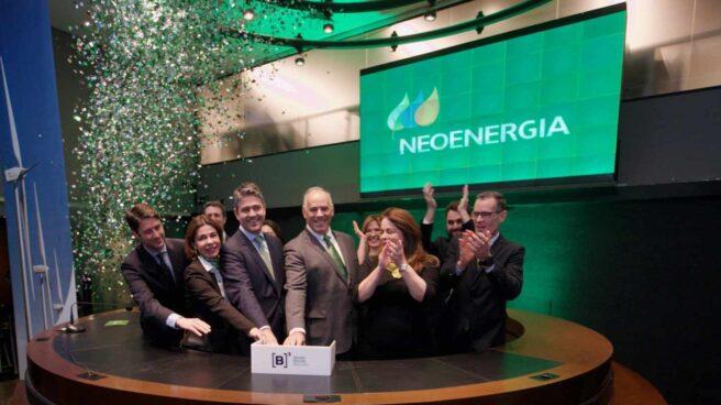 Directivos de Neoenergia (Iberdrola) en su estreno en la Bolsa de Sao Paulo.
