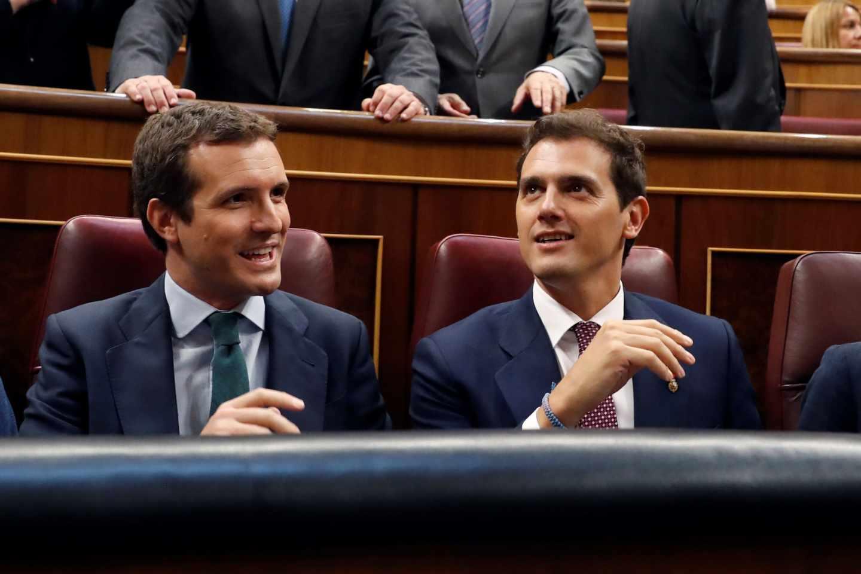 Pablo Casado y Albert Rivera, juntos en el Congreso de los Diputados.