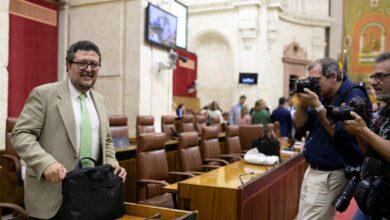 Serrano (Vox) se reincorpora coincidiendo con el fin de la actividad parlamentaria