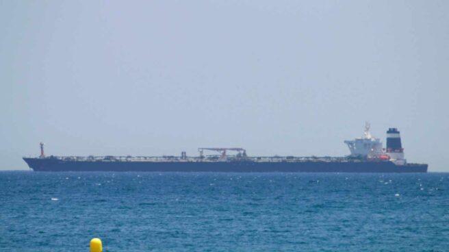 El superpetrolero Grace 1, detenido por la Marina británica en Gibraltar.