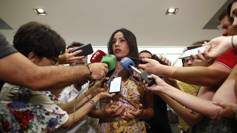 La vicealcaldesa de Madrid Begoña Villacís responde a los medios este lunes 1 de julio.
