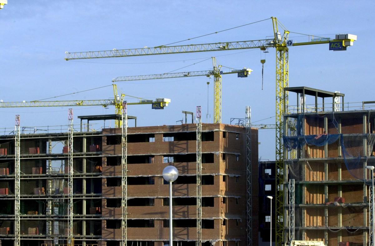 Moody's advierte a la banca: el cambio climático puede golpear el valor de sus carteras inmobiliarias.