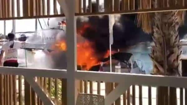 Incendio barco de recreo Torrevieja