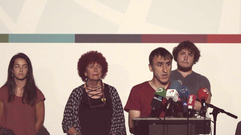 Egoitz Urrutikoetxea, hijo de 'Josu Ternera', durante la presentación de los actos de la 'contracumbre'.