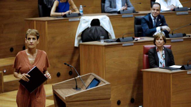 La secretaria general del PSN-PSOE, María Chivite durante su intervención este jueves en el Parlamento de Navarra.