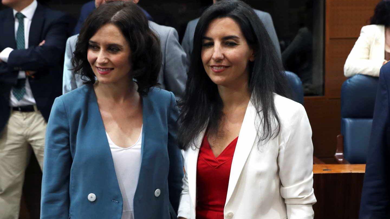 Isabel Díaz Ayuso junto a la portavoz de Vox en la Asamblea, Rocío Monasterio.
