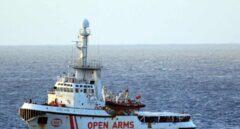 El buque de rescate Open Arms, fotografiado en aguas italianas.