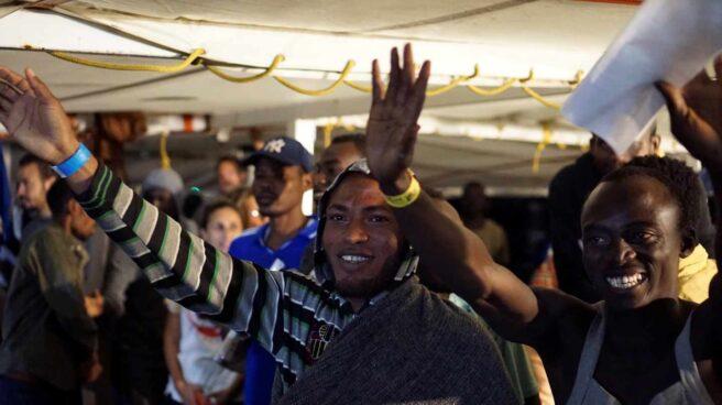 Migrantes del Open Arms antes de desembarcar en Lampedusa.