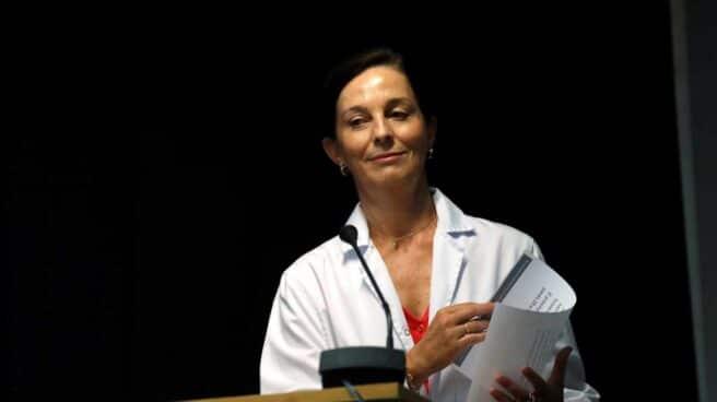 La gerente territorial del grupo de hospitales Quirón en Madrid, la doctora Lucía Alonso, durante la rueda de prensa que ha ofrecido este martes en el Hospital Clínico Quirón de Pozuelo de Alarcón
